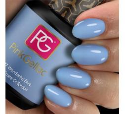 """Wonderful Blue un color azul claro con un acabado """"cremoso"""" que no puede faltar en tu surtido de pintauñas."""