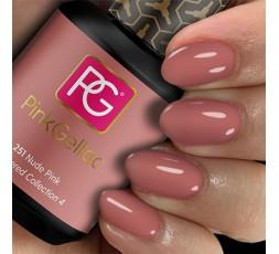 Pink Gellac 251 Nude Pink es un color rosa oscuro con un fondo cálido. Un color nude siempre actual que vuelve cada temporada.