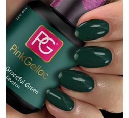 Verde oscuro en última tendencia para tus uñas.