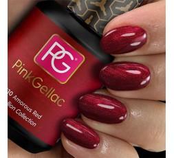 El rojo de uñas con un toque perlado.
